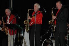 Bild: Gšran EngstršmBildtext:Stephan Lindstein, Anders Linder och Hinke Ekestubbe spelade Las Vegas-jazz sŒ det stod hŠrliga till. ÓTre tenorer har  ŒteruppstŒtt igenÓ, som Anders uttryckte det.
